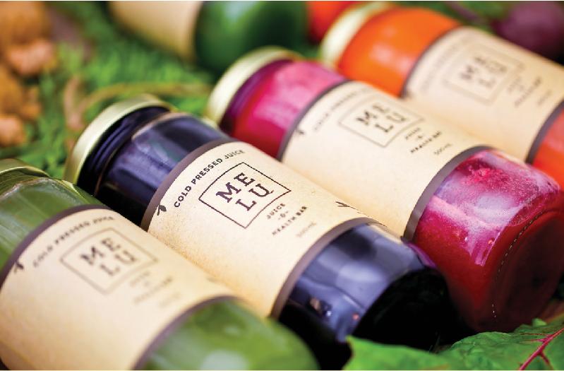 Cold Pressed Juices 各種 500ml $9.75、250ml $6.75。1 瓶には、約1~ 1.4kg もの野菜や果物が使われていて、栄養たっぷり! さらに美肌、デトックス、便秘解消、減量促進、免疫力アップなど、嬉しい効能も。その日の体調や気分でぜひ色々試してみよう