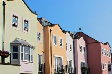 row-houses-196105_1280