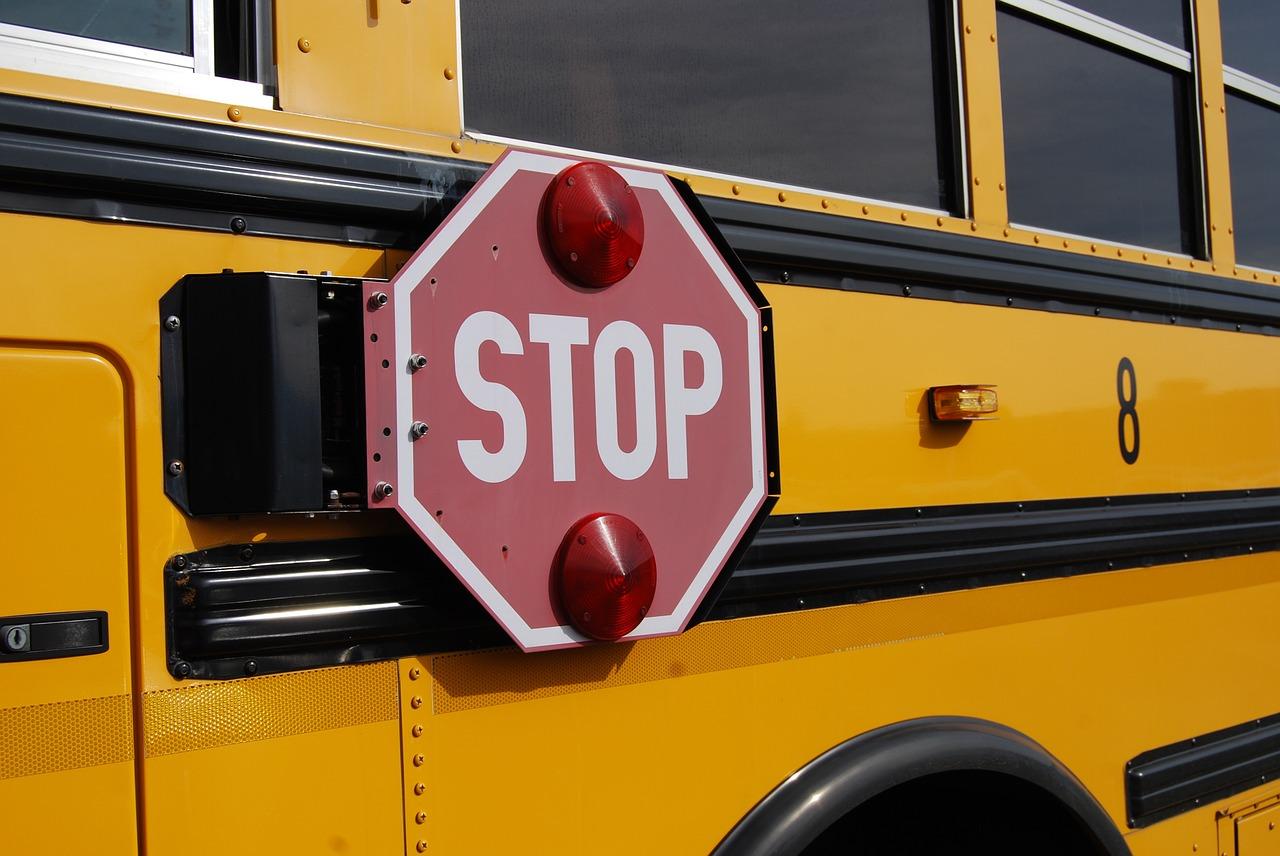 bus-1098970_1280